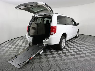Commercial Wheelchair Vans for Sale - 2019 Dodge Grand Caravan SXT ADA Compliant Vehicle VIN: 2C4RDGCG1KR621902
