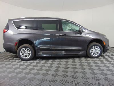 New Wheelchair Van for Sale - 2020 Chrylser Pacifica TOURING-L Wheelchair Accessible Van VIN: 2C4RC1BG6LR173465