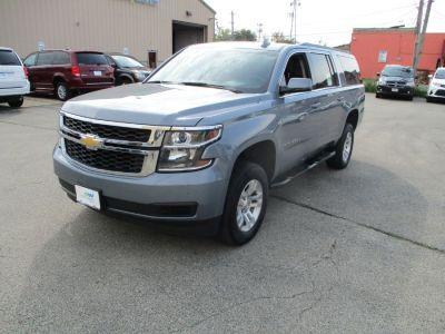 Gray Chevrolet Suburban image number 2