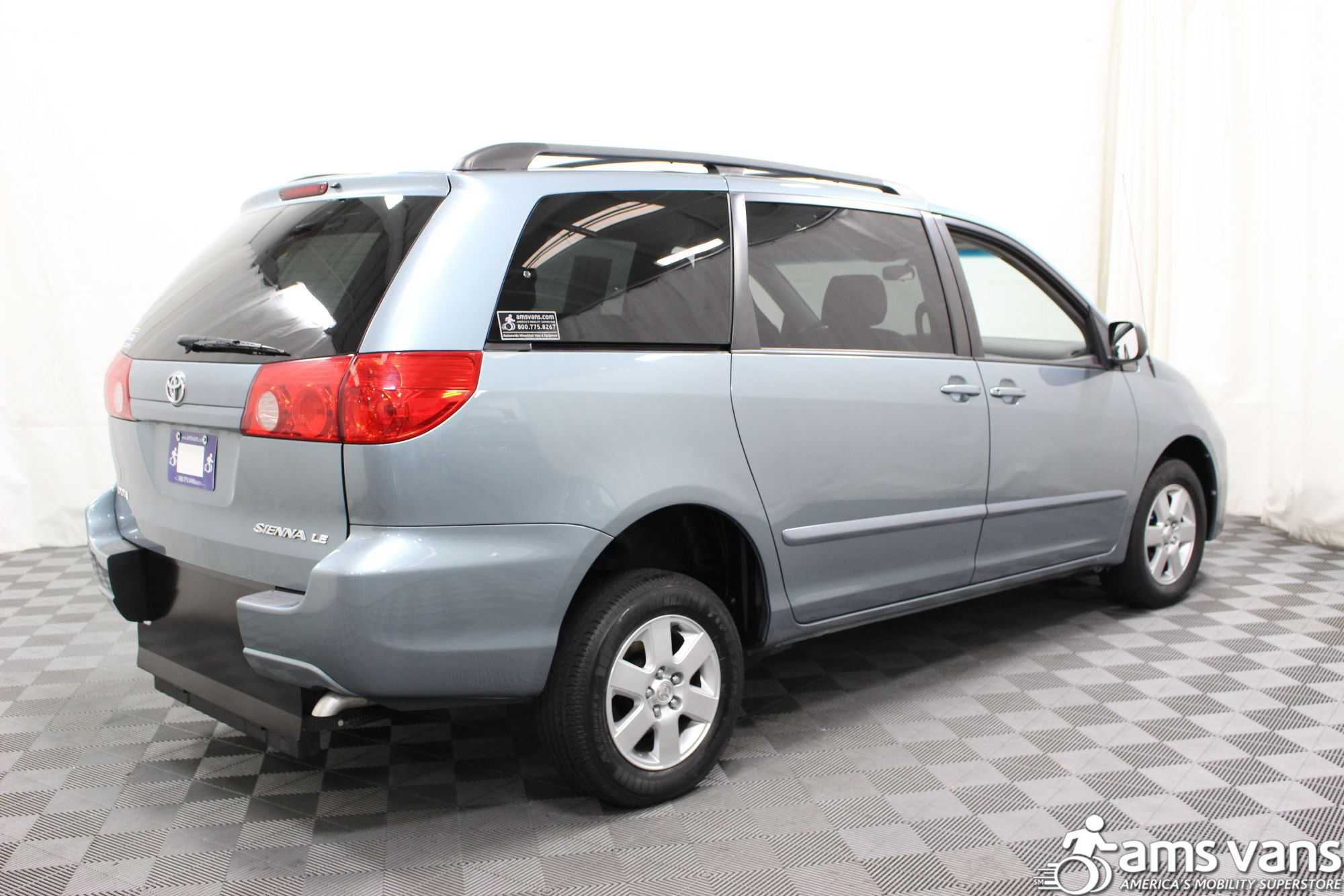2006 Toyota Sienna LE Wheelchair Van For Sale #11