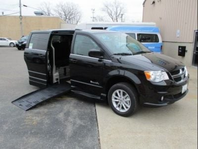 Black Dodge Grand Caravan image number 0