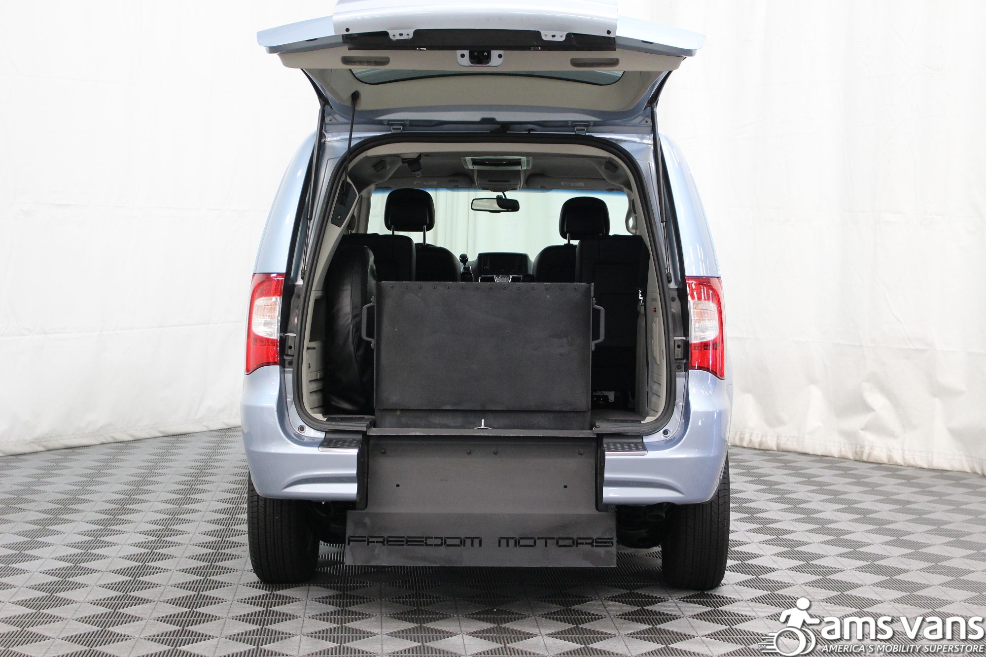 2013 Chrysler Town and Country Touring Wheelchair Van For Sale #5