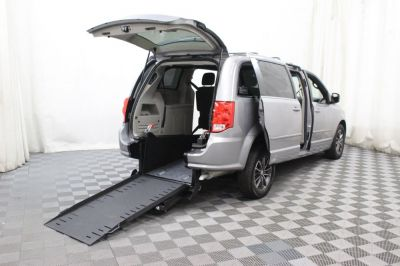 Commercial Wheelchair Vans for Sale - 2017 Dodge Grand Caravan SXT ADA Compliant Vehicle VIN: 2C4RDGCG9HR783558