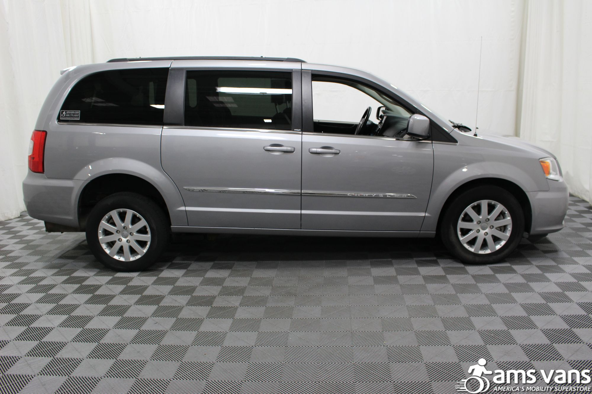 2013 Chrysler Town & Country Touring Wheelchair Van For Sale #13