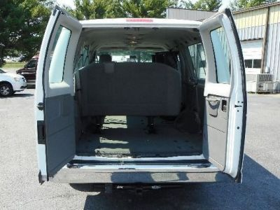 WHITE Ford E-350 image number 16