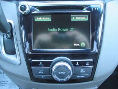 Black Honda Odyssey image number 24