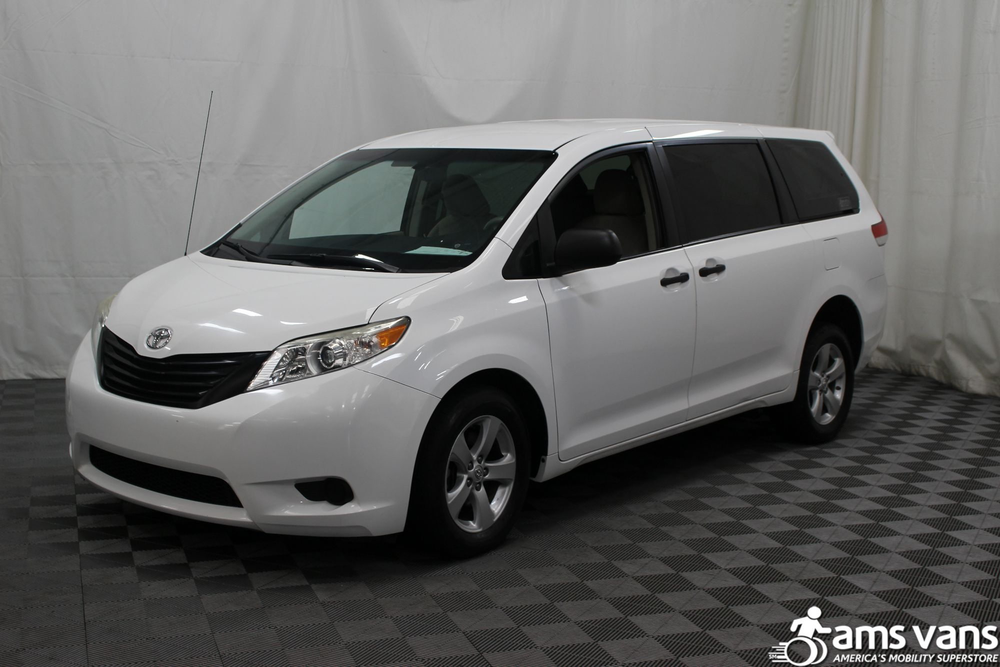 2013 Toyota Sienna L Wheelchair Van For Sale #14