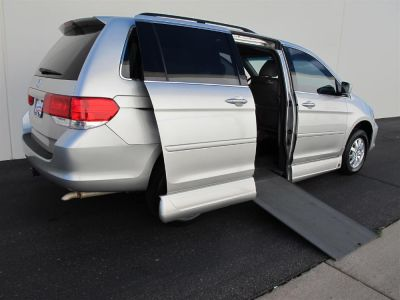 Used Wheelchair Van for Sale - 2008 Honda Odyssey EX-L Wheelchair Accessible Van VIN: 5FNRL386X8B401254