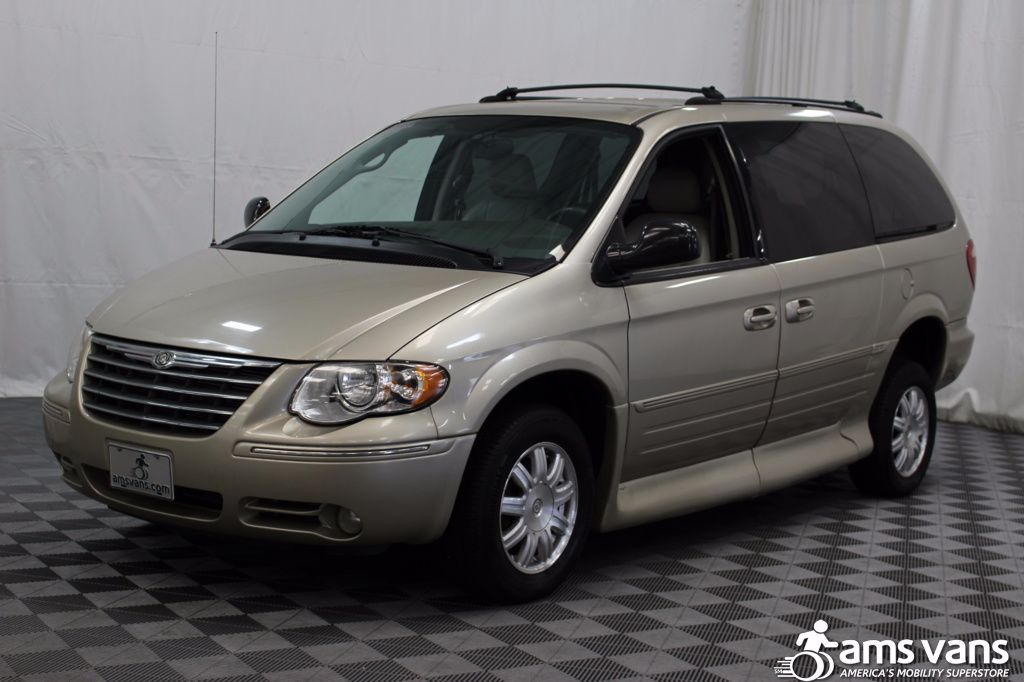 2005 Chrysler Town and Country Touring Wheelchair Van For Sale #18