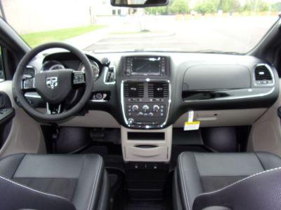 Gray Dodge Grand Caravan image number 9