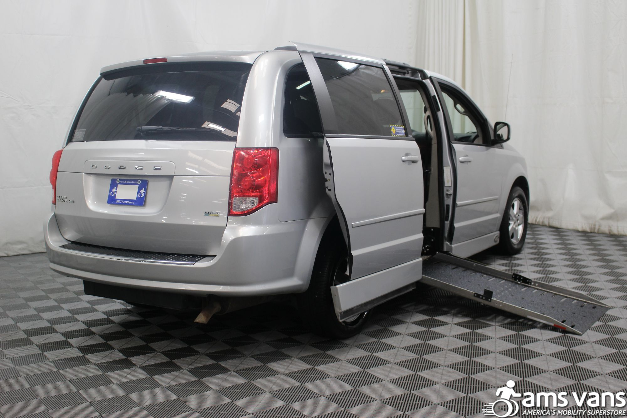 2011 Dodge Grand Caravan Mainstreet Wheelchair Van For Sale #3
