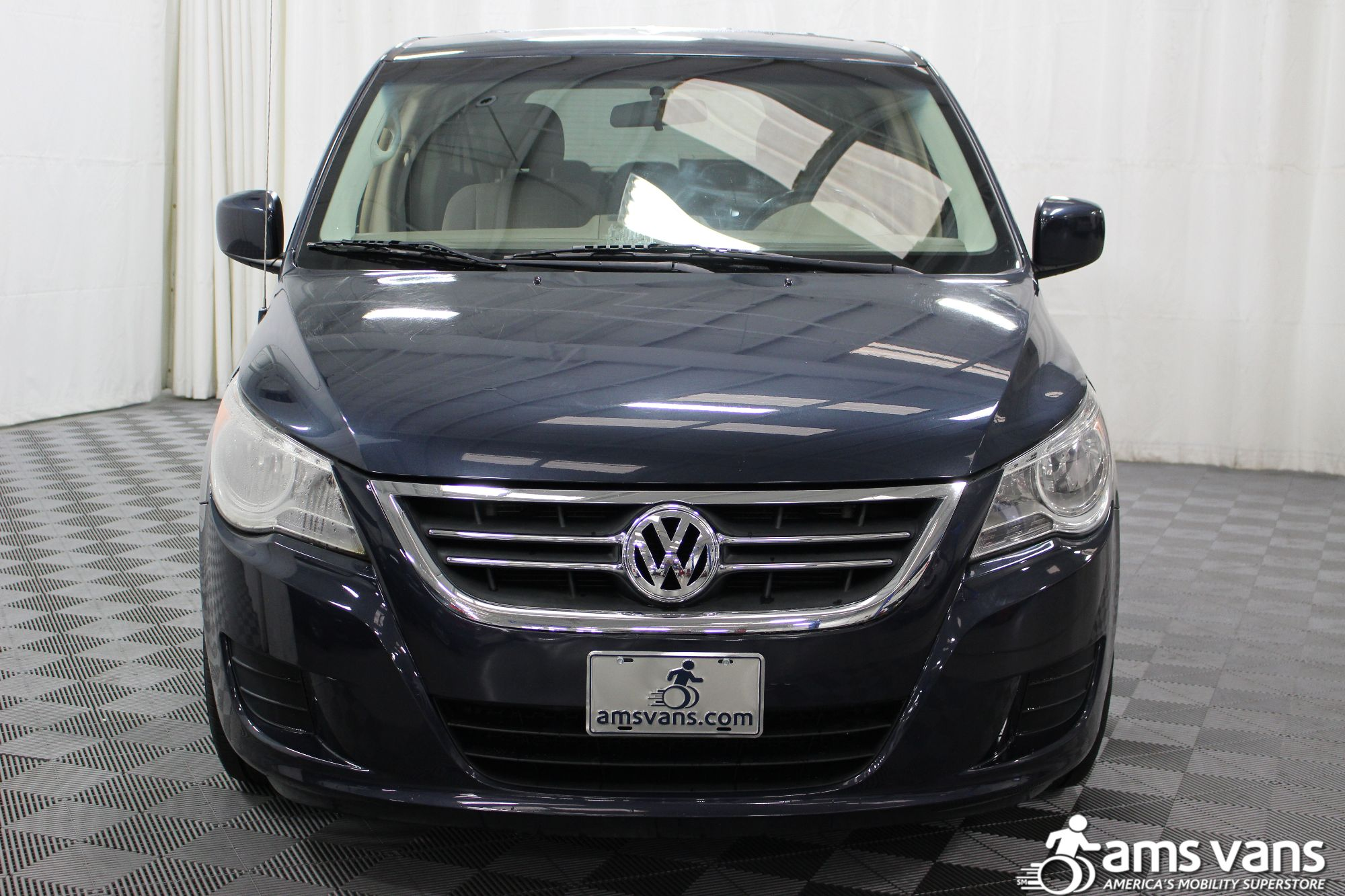 2009 Volkswagen Routan SE Wheelchair Van For Sale #18