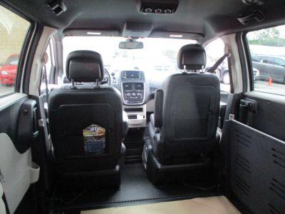 White Dodge Grand Caravan image number 12