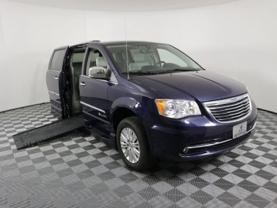 Used Wheelchair Van for Sale - 2014 Chrysler Town & Country Limited Wheelchair Accessible Van VIN: 2C7WC1GG5ER221622