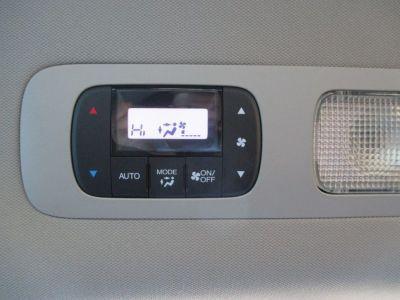 Black Honda Odyssey image number 26