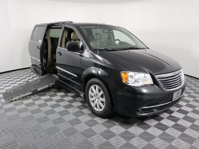 Used Wheelchair Van for Sale - 2014 Chrysler Town & Country Touring Wheelchair Accessible Van VIN: 2C4RC1BG7ER399033