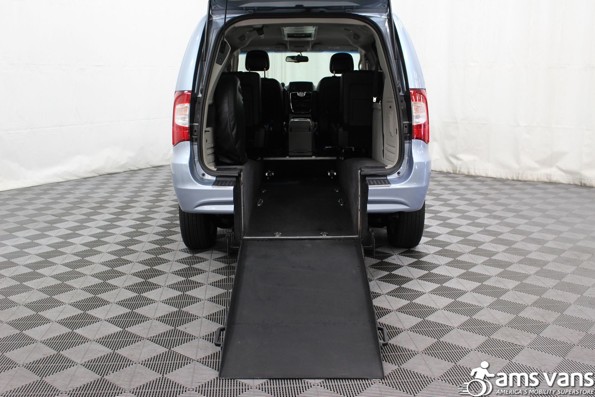 2013 Chrysler Town and Country Touring Wheelchair Van For Sale #3