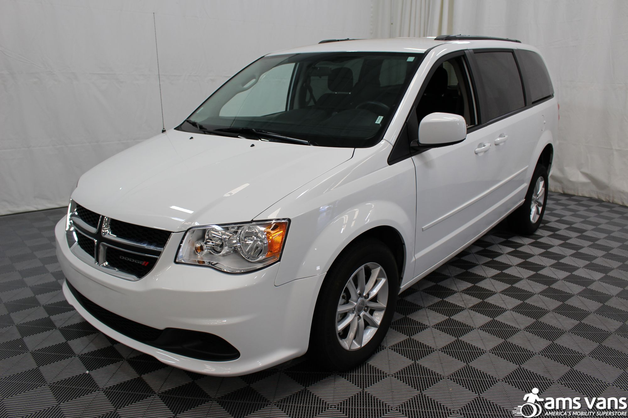 2016 Dodge Grand Caravan SXT Wheelchair Van For Sale #17