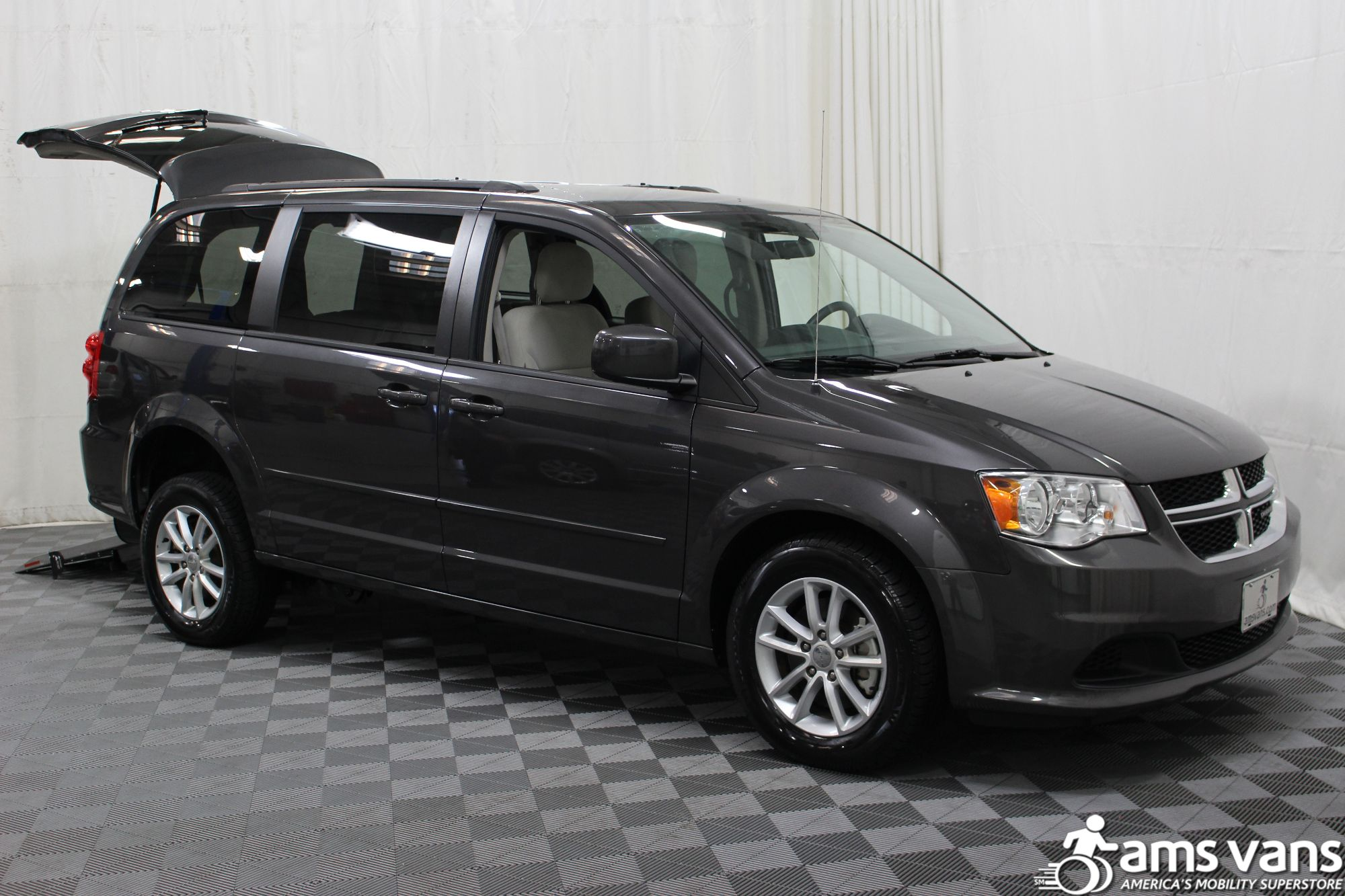 2015 Dodge Grand Caravan SXT Wheelchair Van For Sale #5