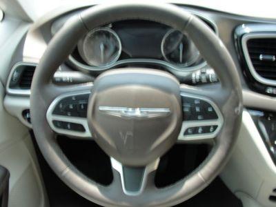 DARK MAROON Chrysler Pacifica image number 8