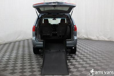 2006 Toyota Sienna Wheelchair Van For Sale -- Thumb #3