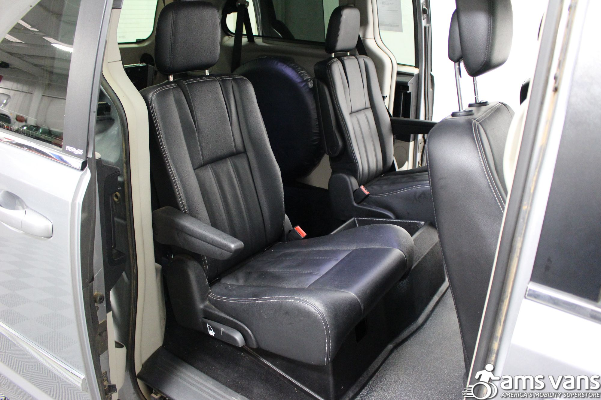 2013 Chrysler Town & Country Touring Wheelchair Van For Sale #11