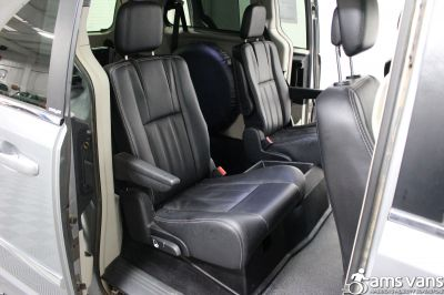 2013 Chrysler Town & Country Wheelchair Van For Sale -- Thumb #11