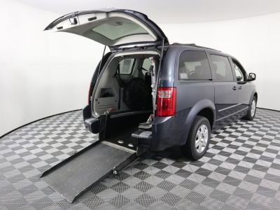 Used Wheelchair Van for Sale - 2009 Dodge Grand Caravan SE Wheelchair Accessible Van VIN: 1D8HN44EX9B511879
