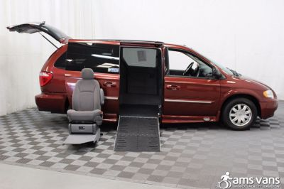 2007 Chrysler Town and Country Wheelchair Van For Sale -- Thumb #7