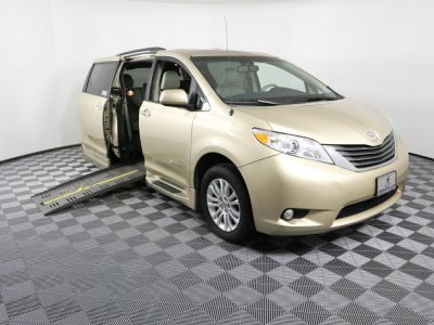 Used Wheelchair Van for Sale - 2014 Toyota Sienna XLE 8-Passenger Wheelchair Accessible Van VIN: 5TDYK3DC1ES423709