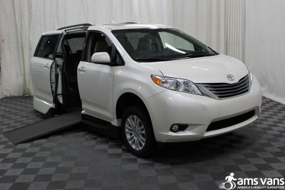 2016 Toyota Sienna Wheelchair Van For Sale
