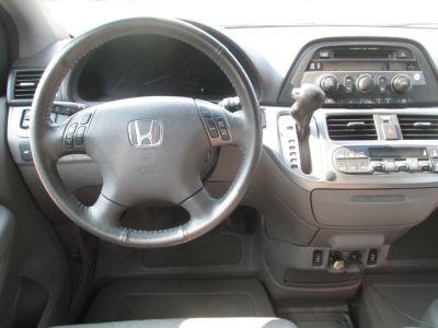 GREEN Honda Odyssey image number 8