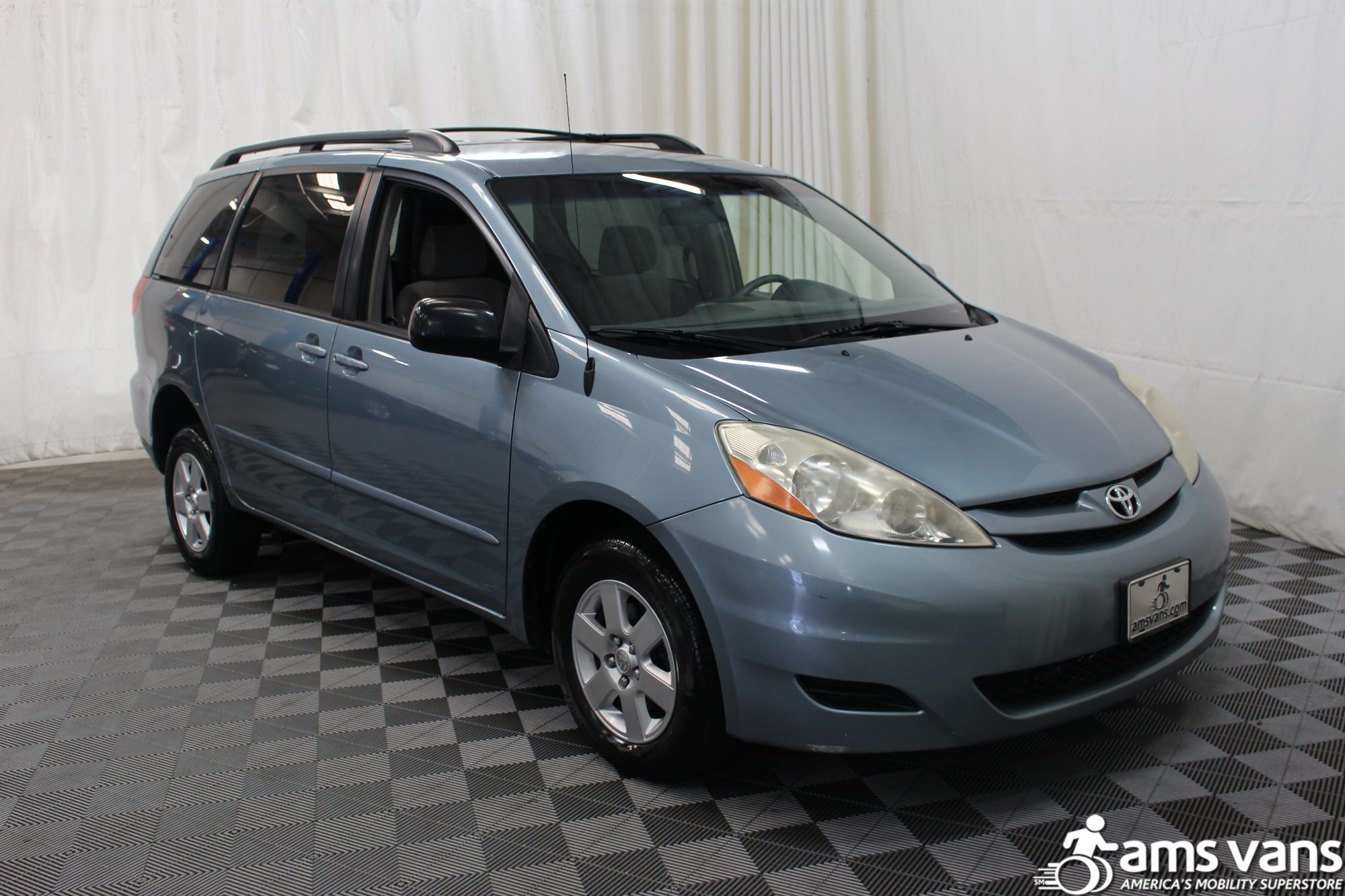 2007 Toyota Sienna LE Wheelchair Van For Sale #7