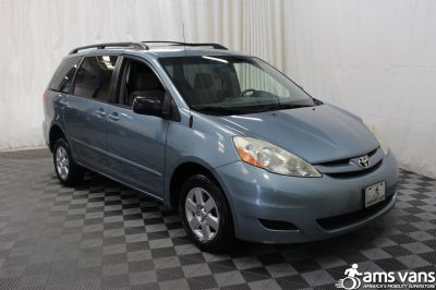 2007 Toyota Sienna Wheelchair Van For Sale -- Thumb #7