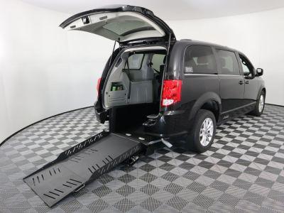 Commercial Wheelchair Vans for Sale - 2019 Dodge Grand Caravan SXT ADA Compliant Vehicle VIN: 2C4RDGCG1KR695076