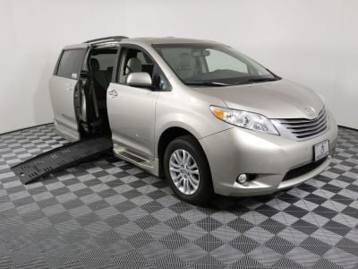 Used Wheelchair Van for Sale - 2017 Toyota Sienna XLE Wheelchair Accessible Van VIN: 5TDYZ3DC0HS837466