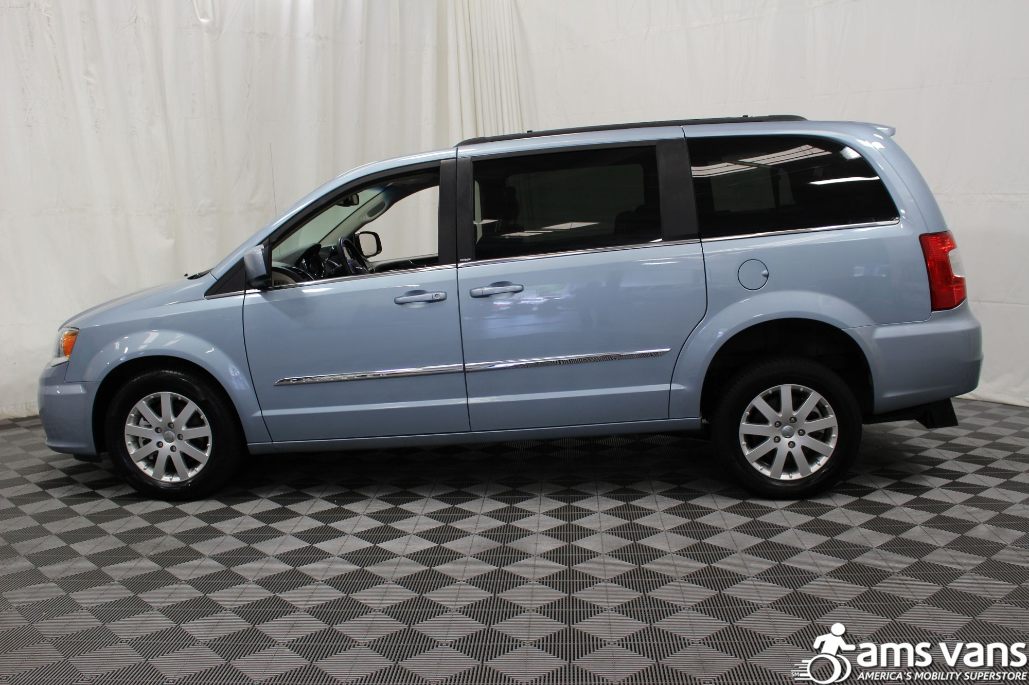 2013 Chrysler Town and Country Touring Wheelchair Van For Sale #14
