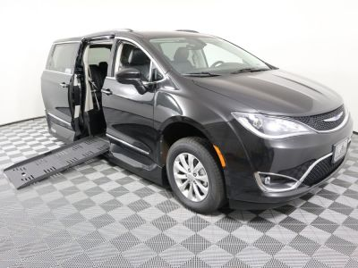 Handicap Van for Sale - 2019 Chrysler Pacifica Touring L Wheelchair Accessible Van VIN: 2C4RC1BG1KR680451