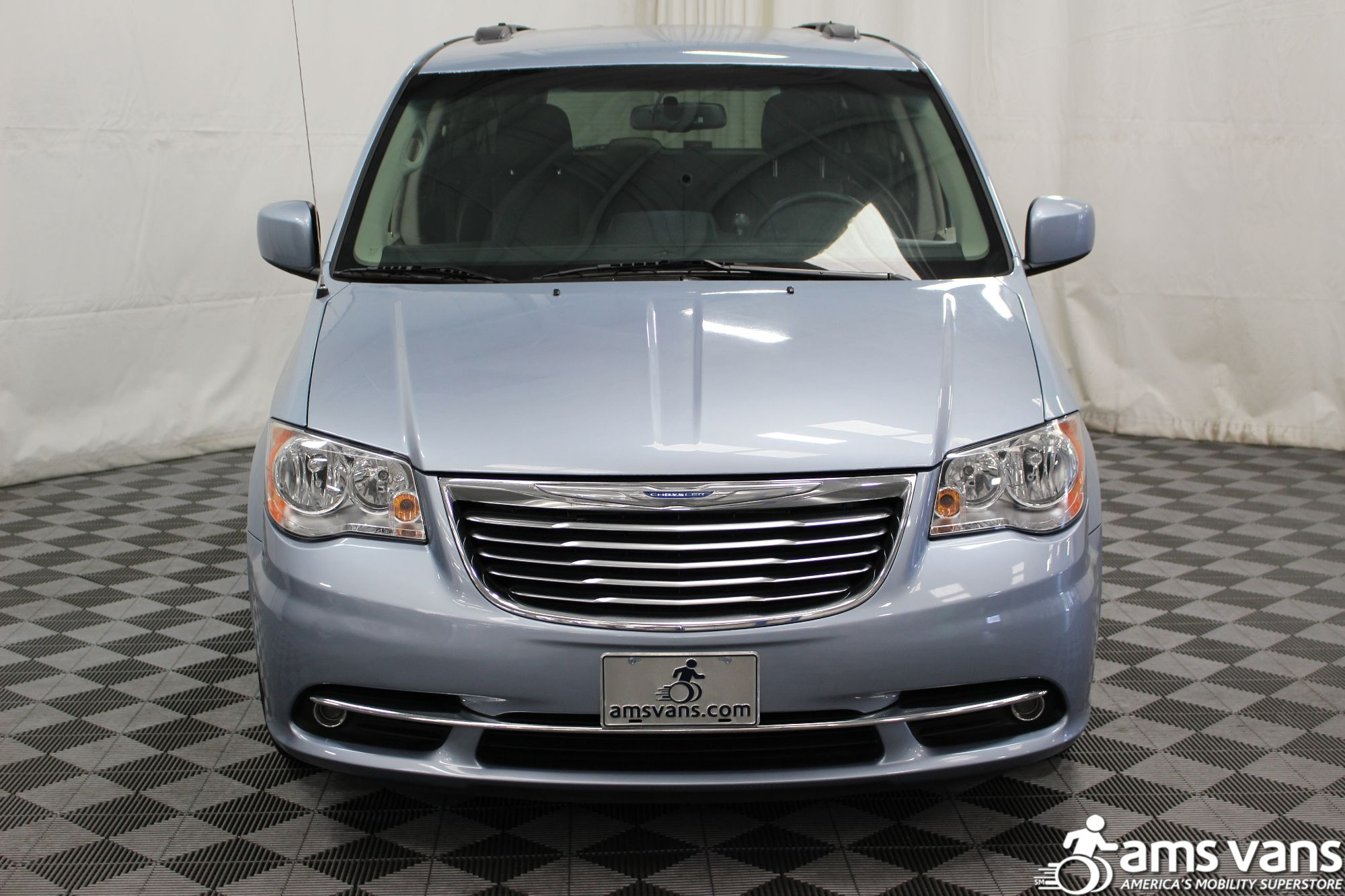 2013 Chrysler Town and Country Touring Wheelchair Van For Sale #16