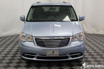 2013 Chrysler Town and Country Wheelchair Van For Sale -- Thumb #16