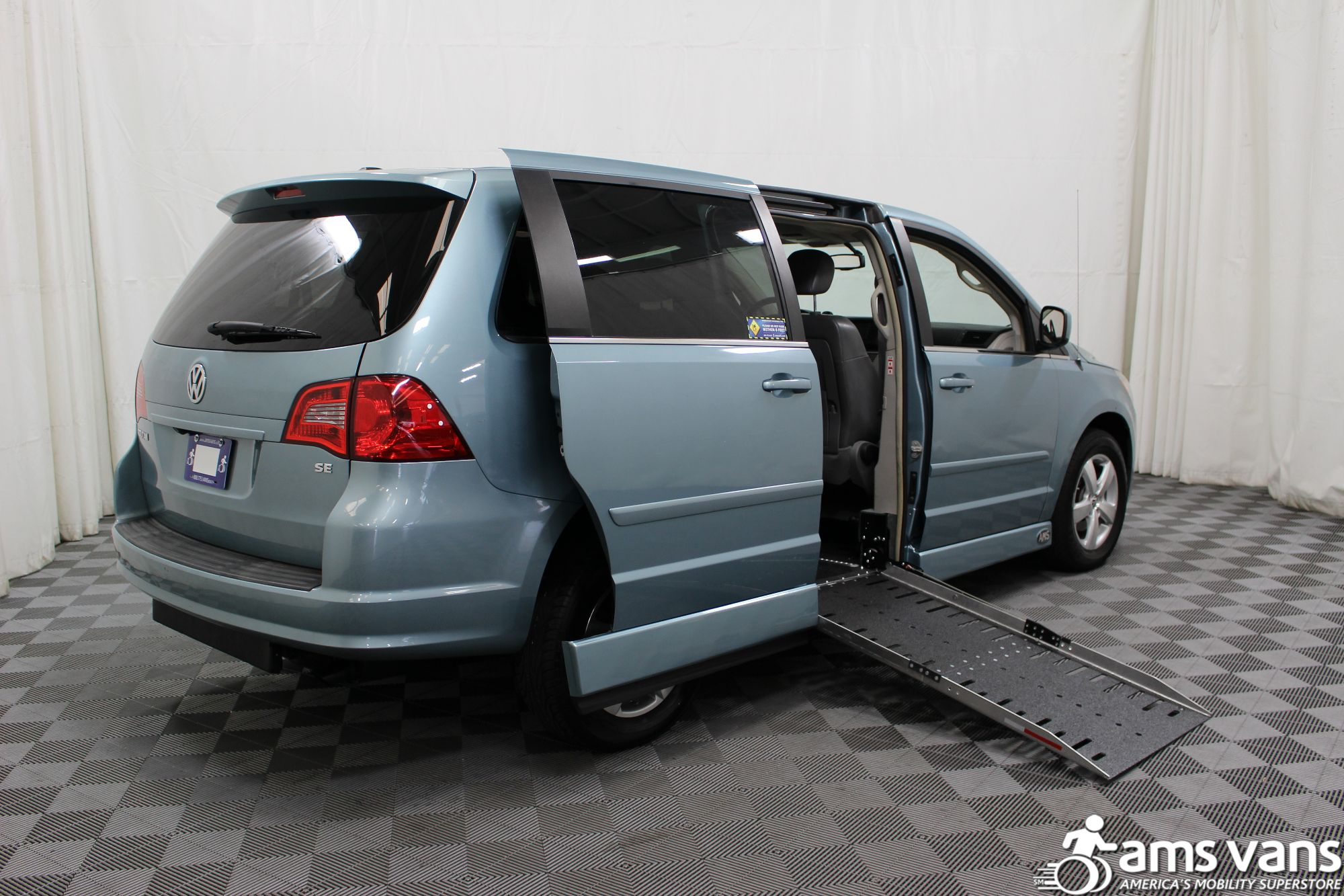 2010 Volkswagen Routan Wheelchair Van For Sale #3