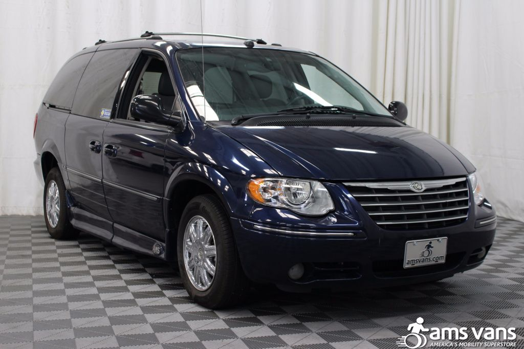 2005 Chrysler Town and Country Limited Wheelchair Van For Sale #13