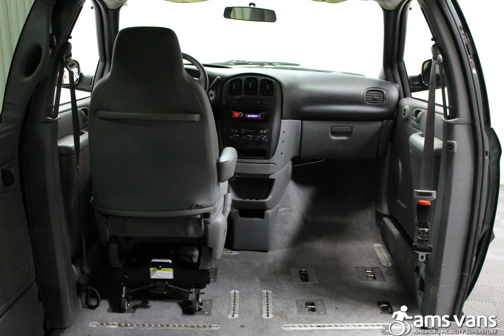 2004 Dodge Grand Caravan SE Wheelchair Van For Sale #7