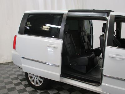 2015 Chrysler Town and Country Wheelchair Van For Sale -- Thumb #8
