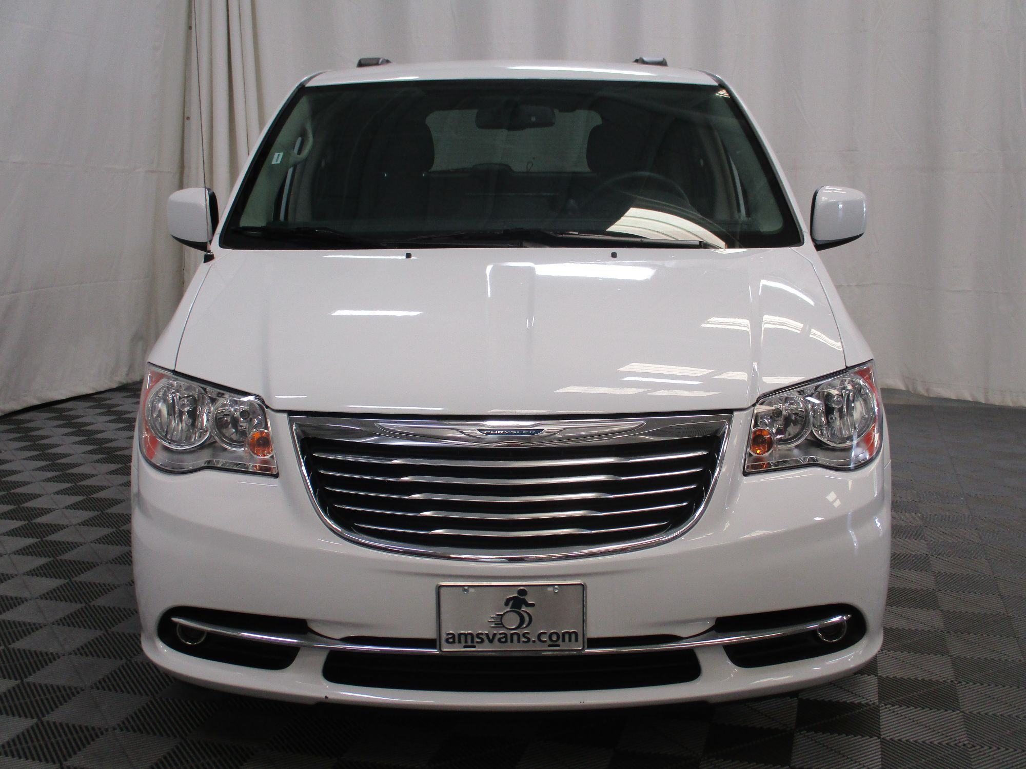 2015 Chrysler Town and Country Touring Wheelchair Van For Sale #17