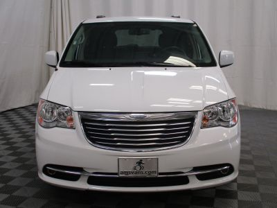 2015 Chrysler Town and Country Wheelchair Van For Sale -- Thumb #17