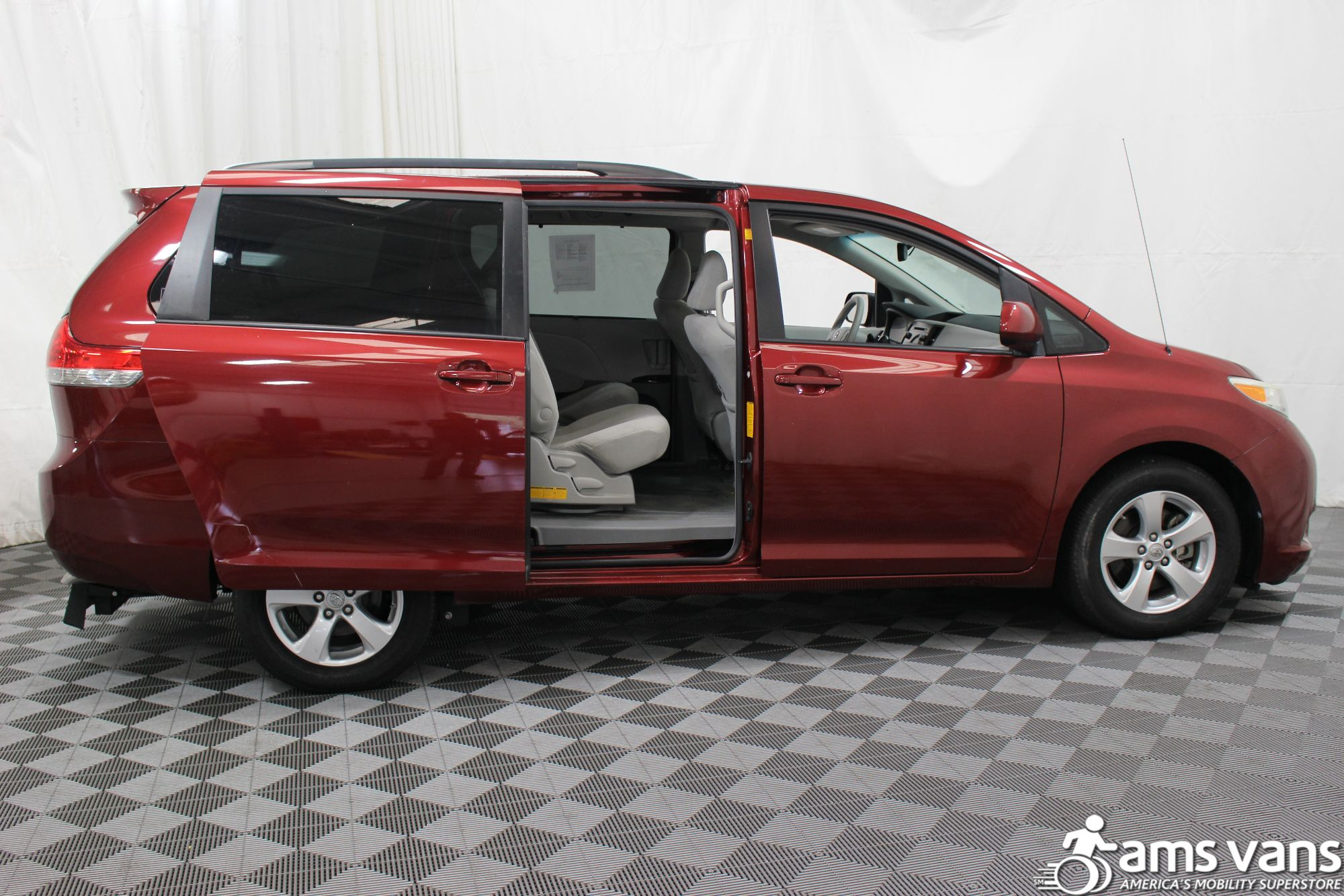 2011 Toyota Sienna LE Wheelchair Van For Sale #6
