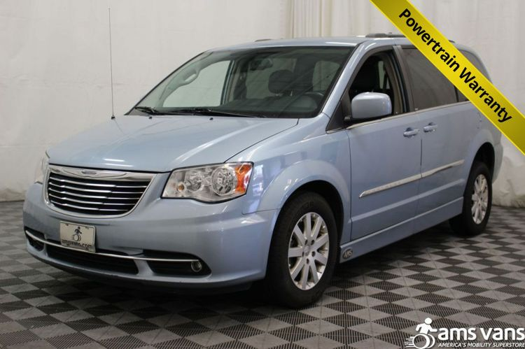 2013 chrysler town and country wheelchair van for sale 32 495. Black Bedroom Furniture Sets. Home Design Ideas