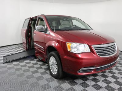 Used Wheelchair Van for Sale - 2014 Chrysler Town & Country Limited Wheelchair Accessible Van VIN: 2C4RC1GG0ER142949
