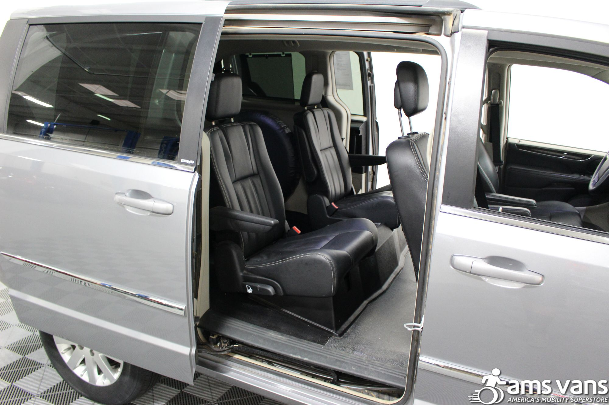 2013 Chrysler Town & Country Touring Wheelchair Van For Sale #10